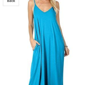 Dresses & Skirts - Spaghetti strap maxi dress with pockets
